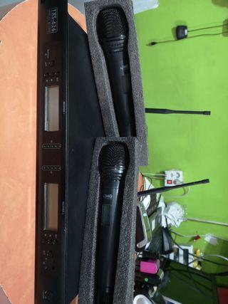 Receptor 2 Canales y 2 Microfonos Inalámbricos