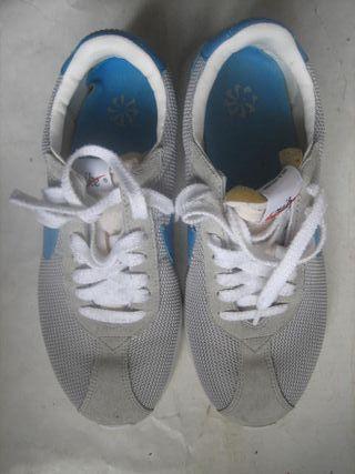 zapatillas deporte chica Nike número 41 grises