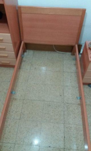 Estructura de cama juvenil y mesita