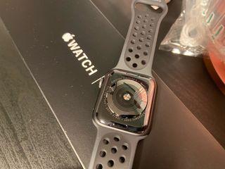 Apple Watch 5 44mm Nike