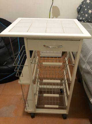 Mueble blanco artesano alicatado