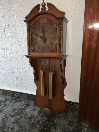 Reloj de pared de péndulo TEMPUS FUGIT