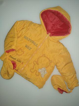 Abrigo naranja El Corte Inglés con manoplas bebé