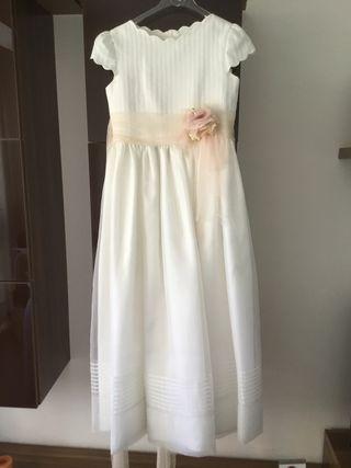 Vestido de Comunión blanco roto más el cancan