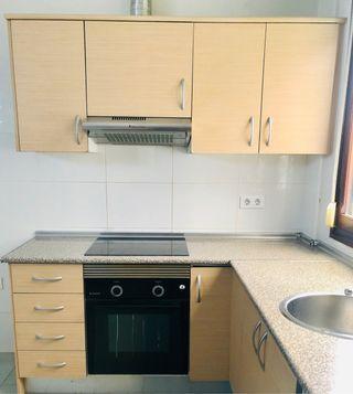 Conjunto de 3 muebles altos de cocina + extractor