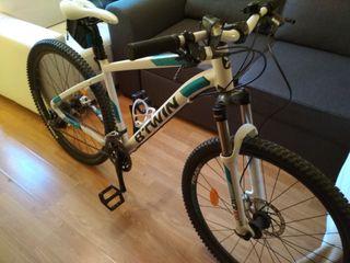 Bicicleta mujer MTB Rockrider 540