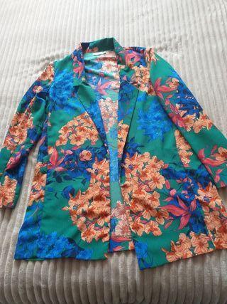conjunto de chaqueta y pantalón