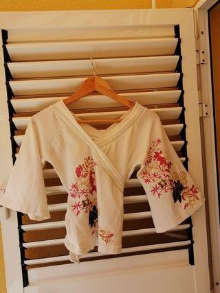 Camiseta tipo kimono