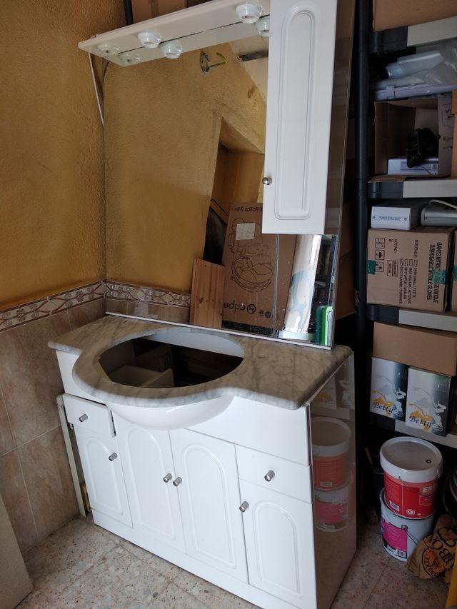 Armario cuarto de baño.