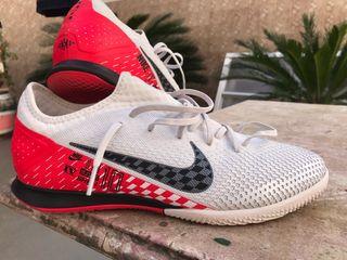 zapatillas botas futbol sala Nike Talla 43