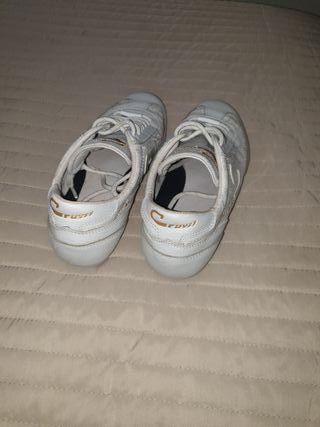 Cruffy zapatillas de piel nr 38 en perfecto esta