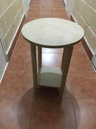 Mesa camilla o auxiliar