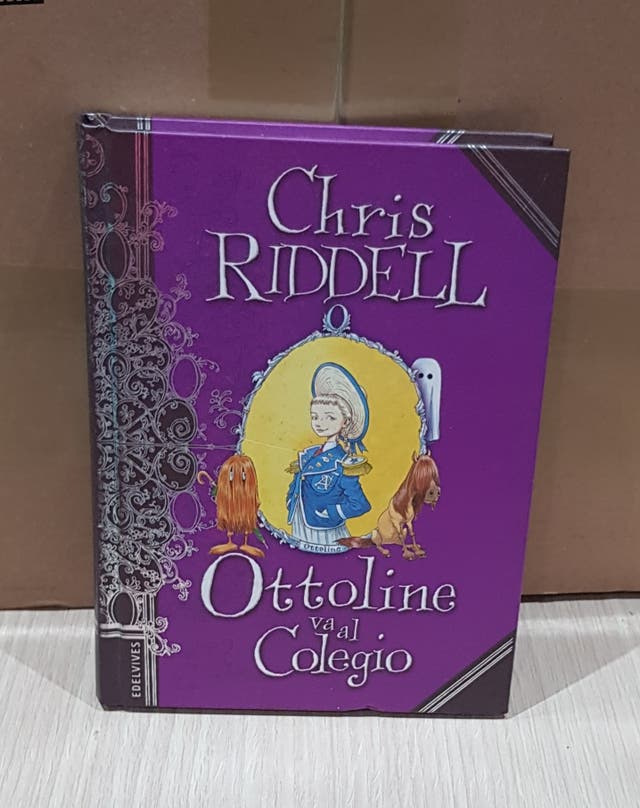 """En perfecto estado libro """"Ottoline va al Colegio """""""