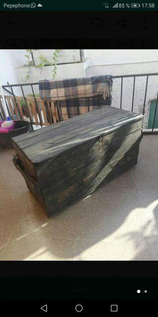 Baul rustico.madera reciclada