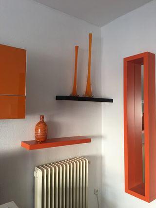 2 jarrones de cristal , naranja . 80 y 60 cm.