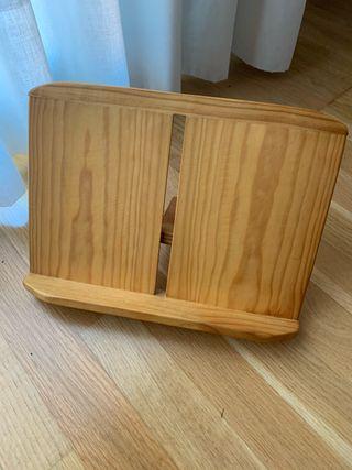Atril de madera