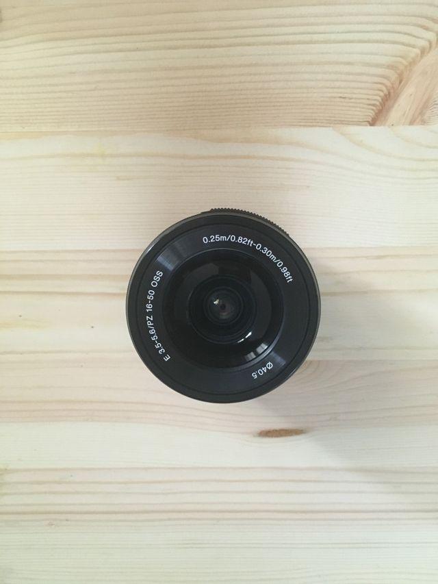 Sony E 16-50mm PZ F 3,5 - 5,6 OSS Objetivo