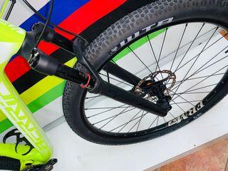 Bicicleta Berria Mako Marathon eagle carbon 29