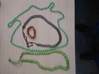 Collares, pulsera y colgantes artísticos
