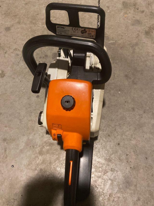 Motosierra stihl ms200