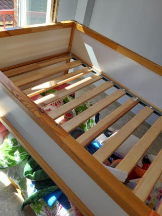 Cama infantil Kura de Ikea