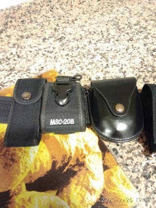cinturón policial y accesorios
