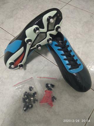 Botas futbol, aluminio