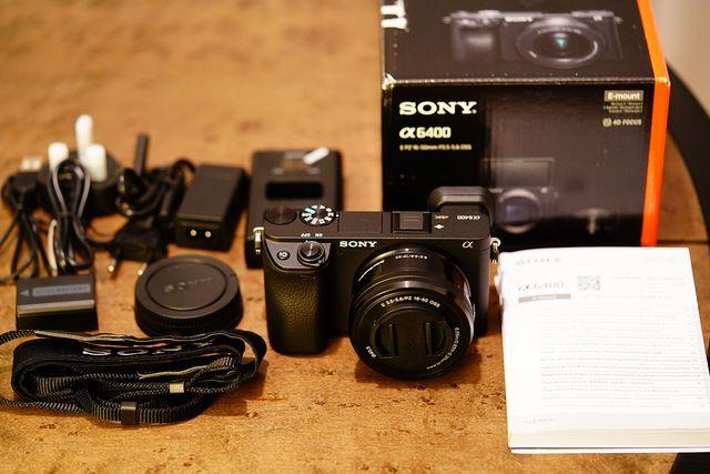 SONY ALPHA 6400 + SONY 16-50MM (GARANTÍA)