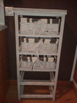 Mueble auxiliar madera gis claro con 3 cestas