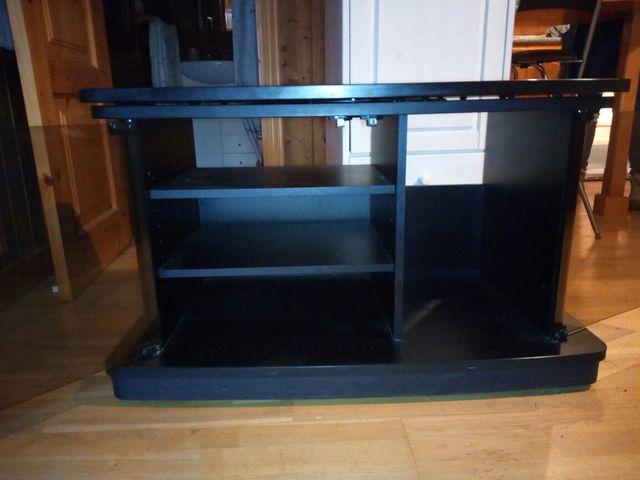 Mesa para Televisión.