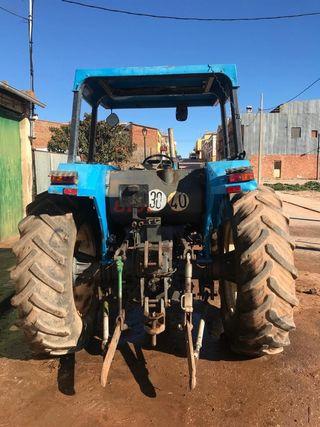 Tractor Ebro 8100