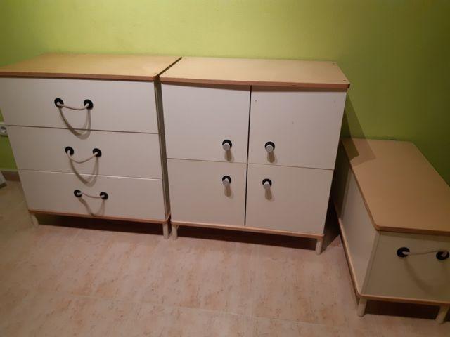 Muebles infantiles.
