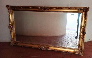 Antiguo espejo grande dorado salón