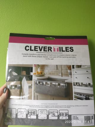 Clever Tiles Stick