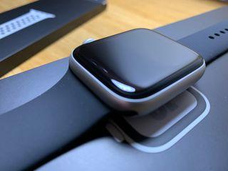Apple Watch Series 4 44mm Nike Edition