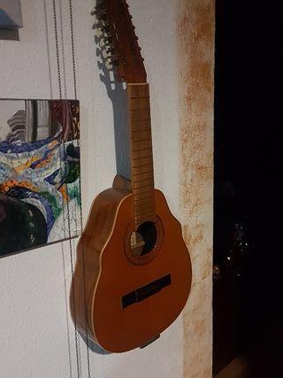 guitarra sin cuerdas.
