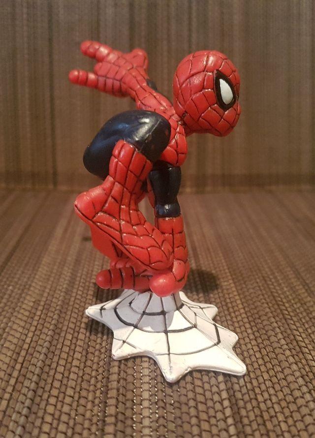 Figura PVC SPIDERMAN TELARAÑA