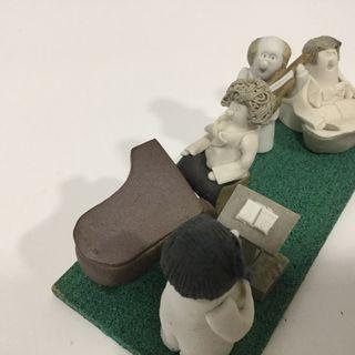 Pequeña orquesta cerámica