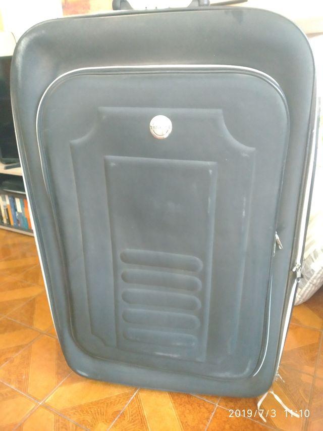 maleta para despachar