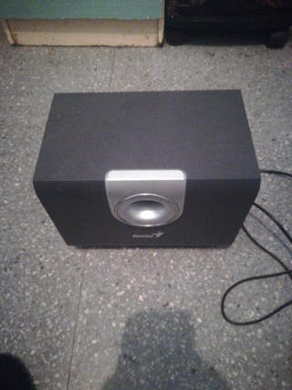 altavoz modelo SW-5.1 1000