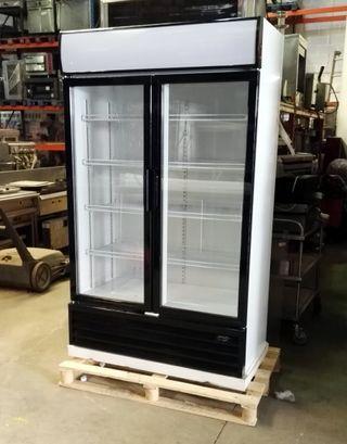 Armario refrigerado 2 puertas cristal
