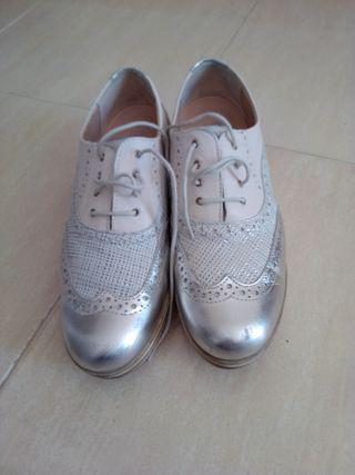Zapatos Marca Pitillos. Talla 39