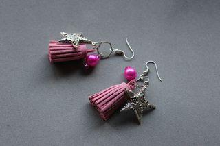 pendientes con borlas hecho a mano rosa