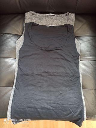 Dos camisetas básicas de Zara. Talla M