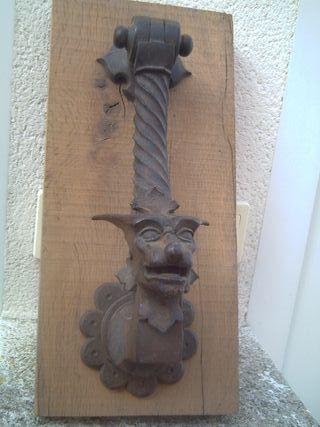 antiquísimo llamador dragón