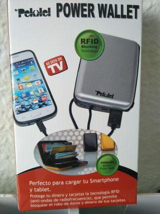 Cartera con cargador USB y sistema antirrobo