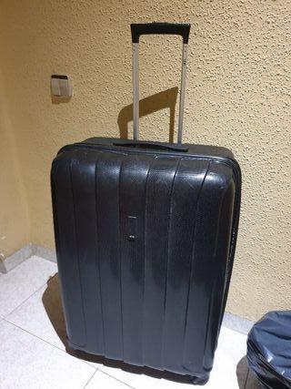 vendo maletas grandes y medianas viaje