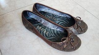 zapatos Hispanitas de piel. talla 37. color marrón
