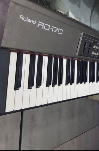 Piano digital profesional Roland RD-170