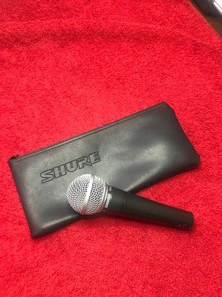 microfono shure SM58 de mano